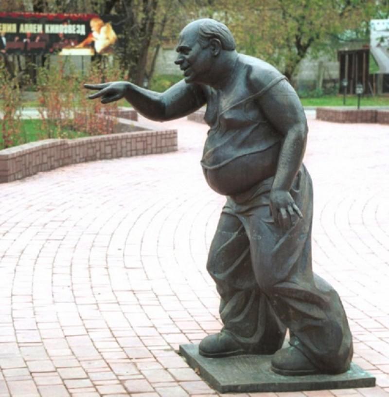 Памятники персонажам кинофильмов (33фото)