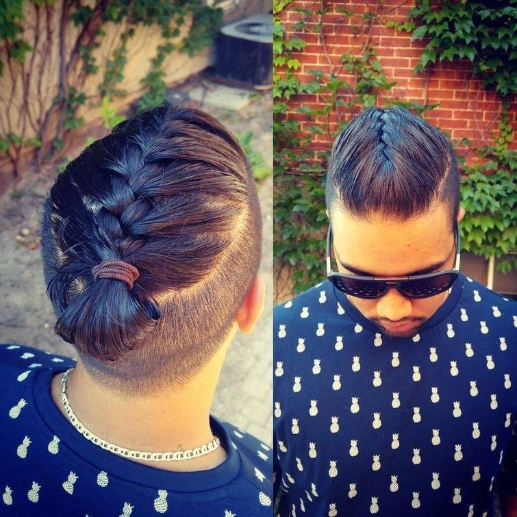 Девчонки, подвиньтесь, теперь парни тоже носят косы! (17фото)