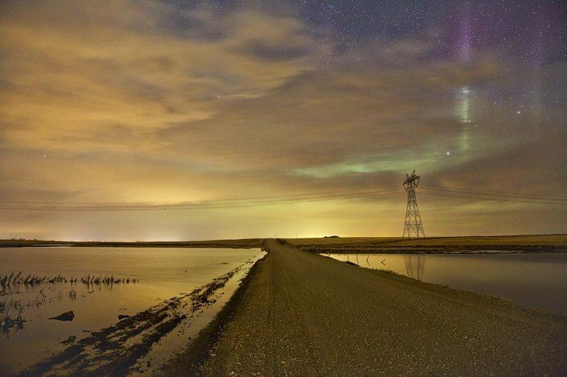 Линии электропередач под звёздным небом (30фото)