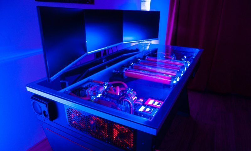 Подборка: Компьютер в столе (8фото)