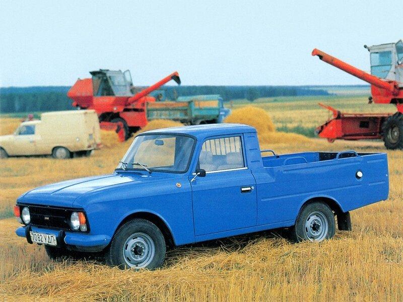 Фотографии СССР на которых запечатлены автомобили и мототехника. Фоторепортаж (64фото)