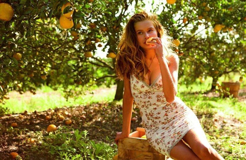Красивые девушки в летних платьях (15фото)