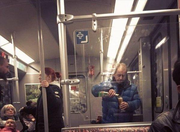 Чего только не увидишь в метро (36фото)