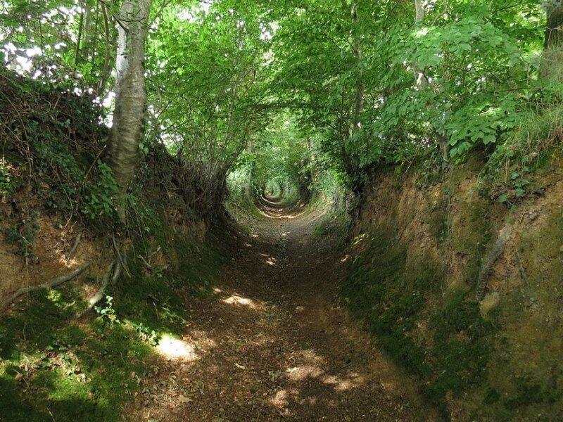 Ушедшие под землю древние дороги Европы (9фото)