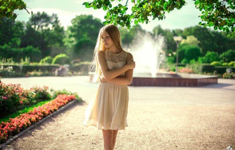Девушки и фонтаны (9фото)