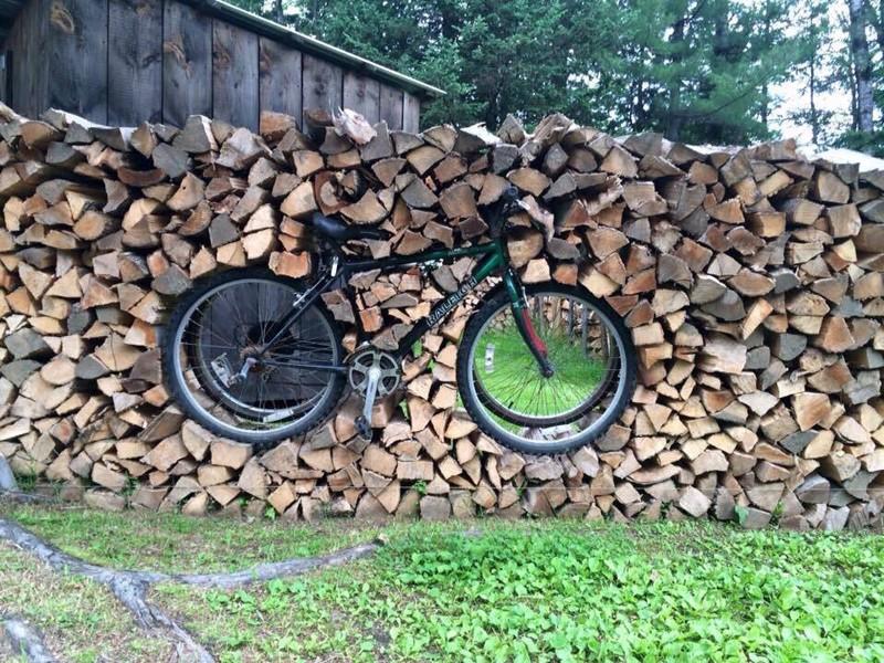 Зима близко: Творческий подход к укладке дров (23фото)